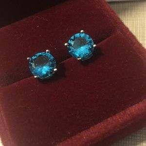 Jewelry - New OceanBlue Topaz gemstone studs silver earrings